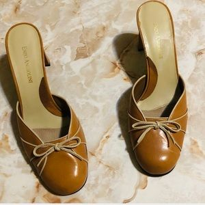 ENZO ANGIOLINI SLIP ON TAN MULE SHOES WITH BOW